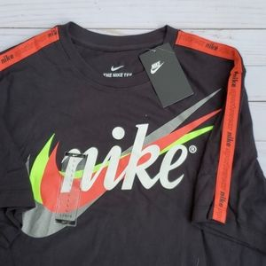Mens Nike T-shirt